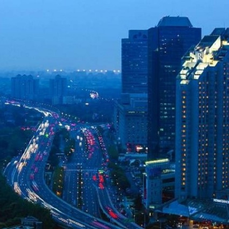 太湖大闸蟹+海鲜刺身畅吃 上海扬子江万丽大酒店自助晚餐